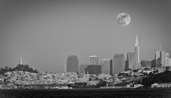 700_9034-Edit-Moon-720w