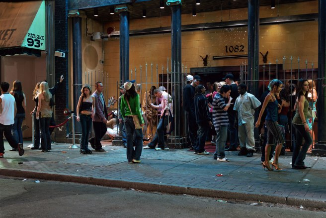 jeff-wall-in-front-of-a-nightclub-2006-web